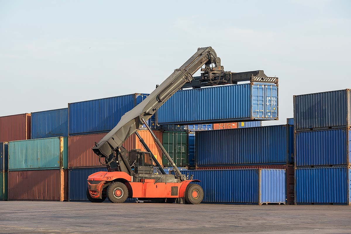 Pre-shipment Financing (Image of a forklift lifting a container)